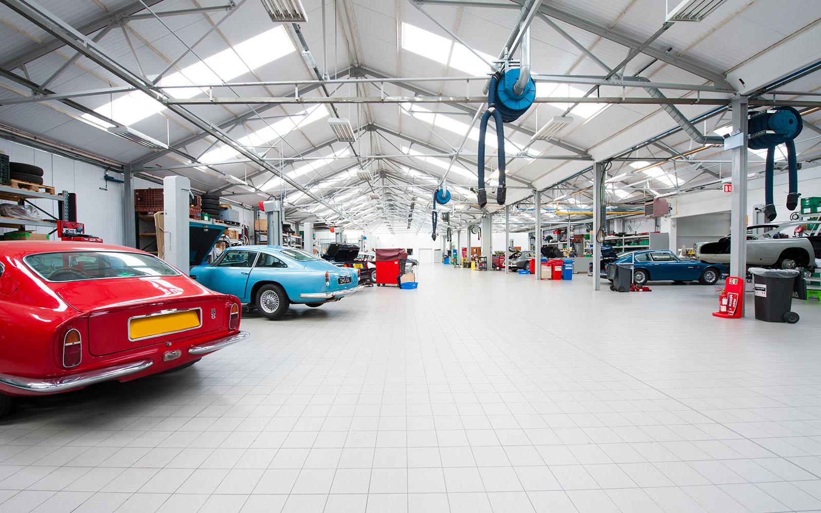 Aston Martin Works Service Minoli