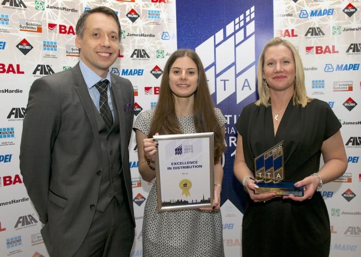 TTA Awards 2014-Excellence in Tile Distribution - L to R; Carl Stokes (Schluter),Sophie Weitz,Sophie Doran (Minoli)-JPG_HIP6993.NEF